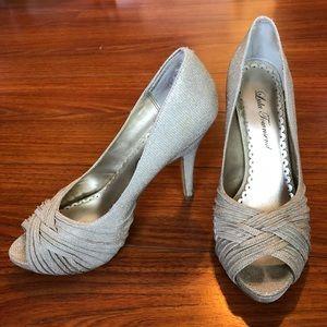 Lulu Townsend sz 8.5 M sparkling peep toe heels
